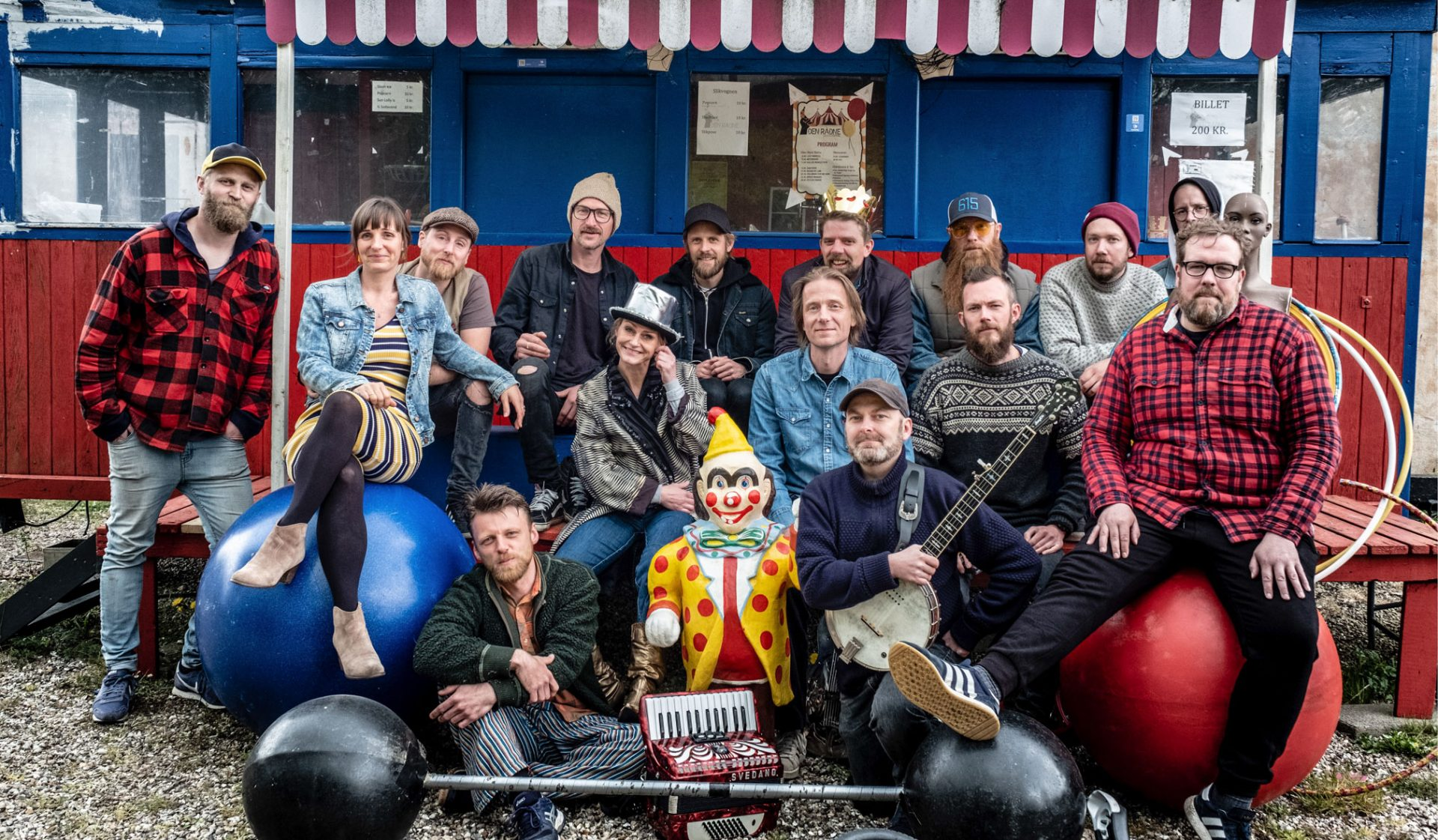 Musikkollektivet Keminova Cowboys udgiver deres 2. album Cirkus Danmark