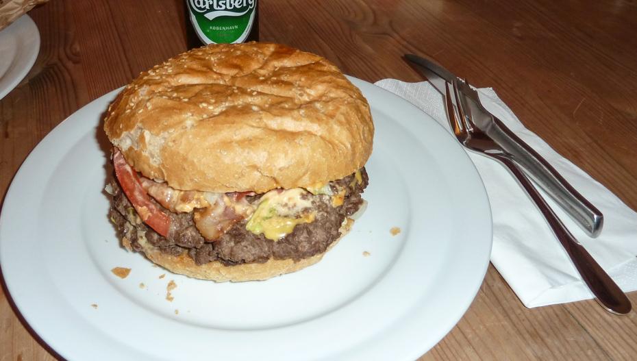 400 grams bacon og cheeseburger fra Mama's Burger i Højbjerg