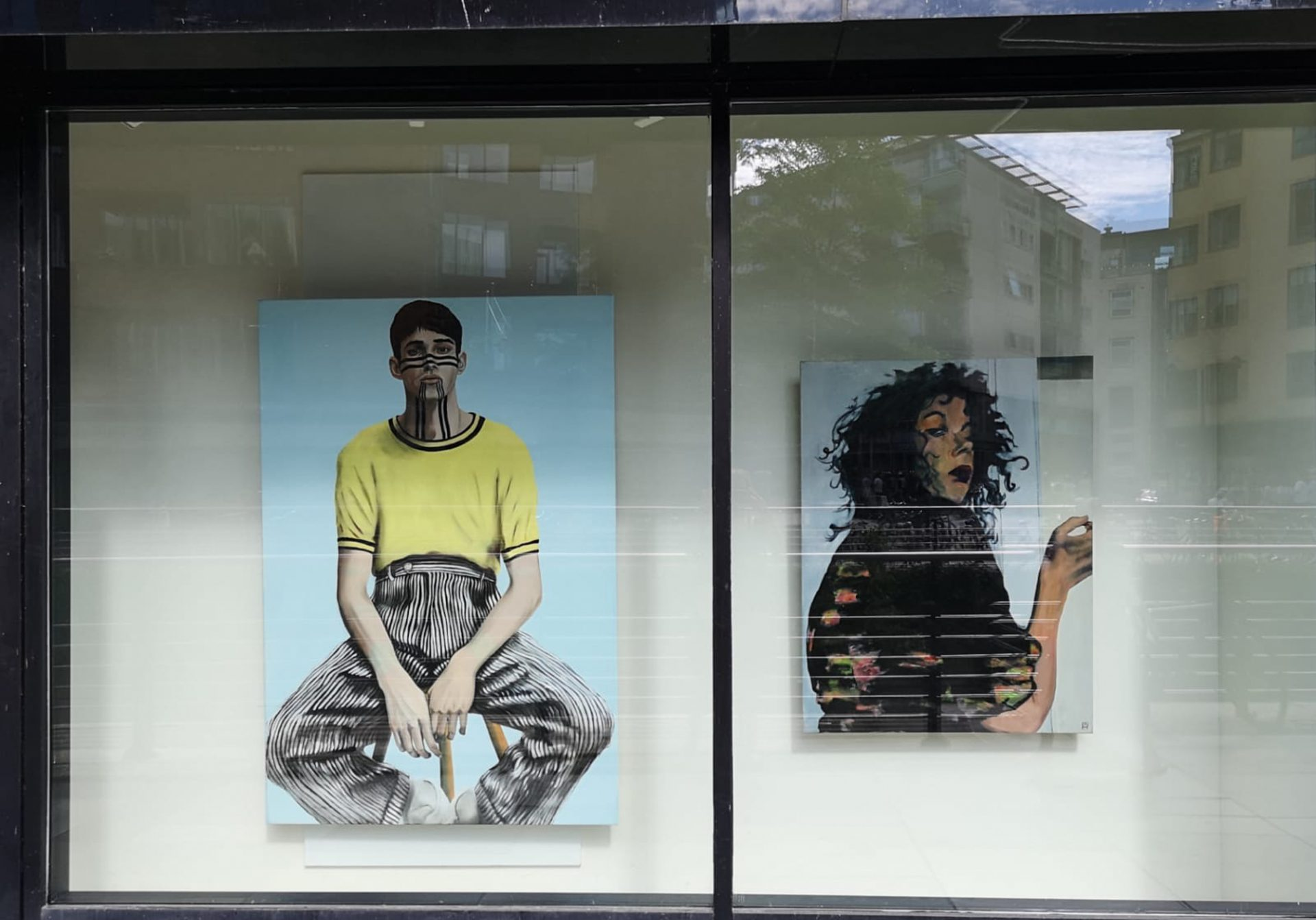 Støtter lokale kunstnere:Magasin udlåner facade til kreativ kunst og design