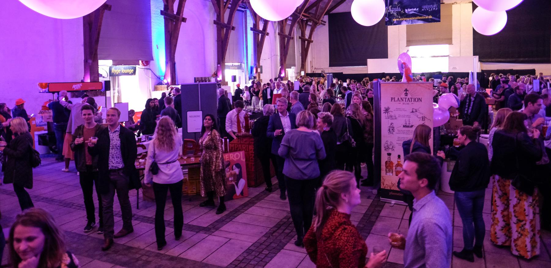 Aarhus Cocktail Festival: En kæmpe succes med over 600 gæster på første aften