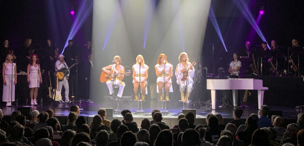 Musikhuset Aarhus: ABBAs sange lever videre i THE SHOW - a Tribute to ABBA