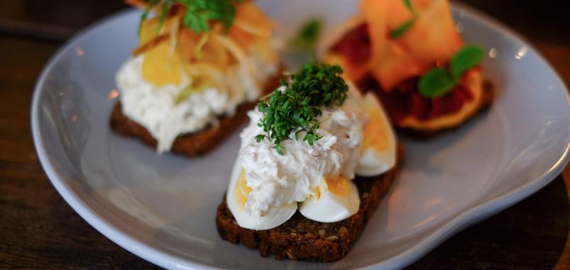 Æg og ørred på Kählers Spisesalon