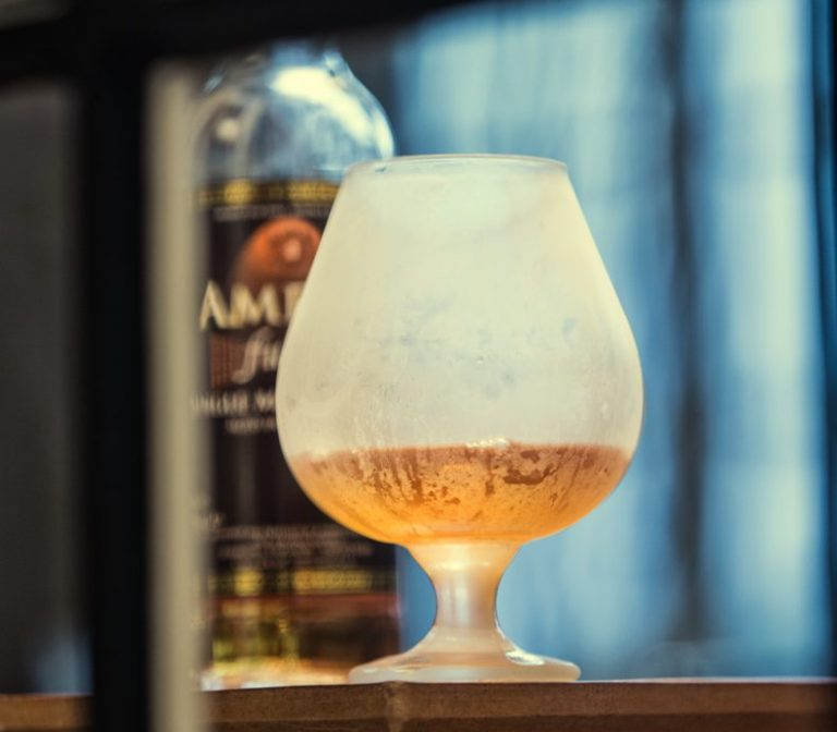 Cocktail opskrift: Bobby Burns