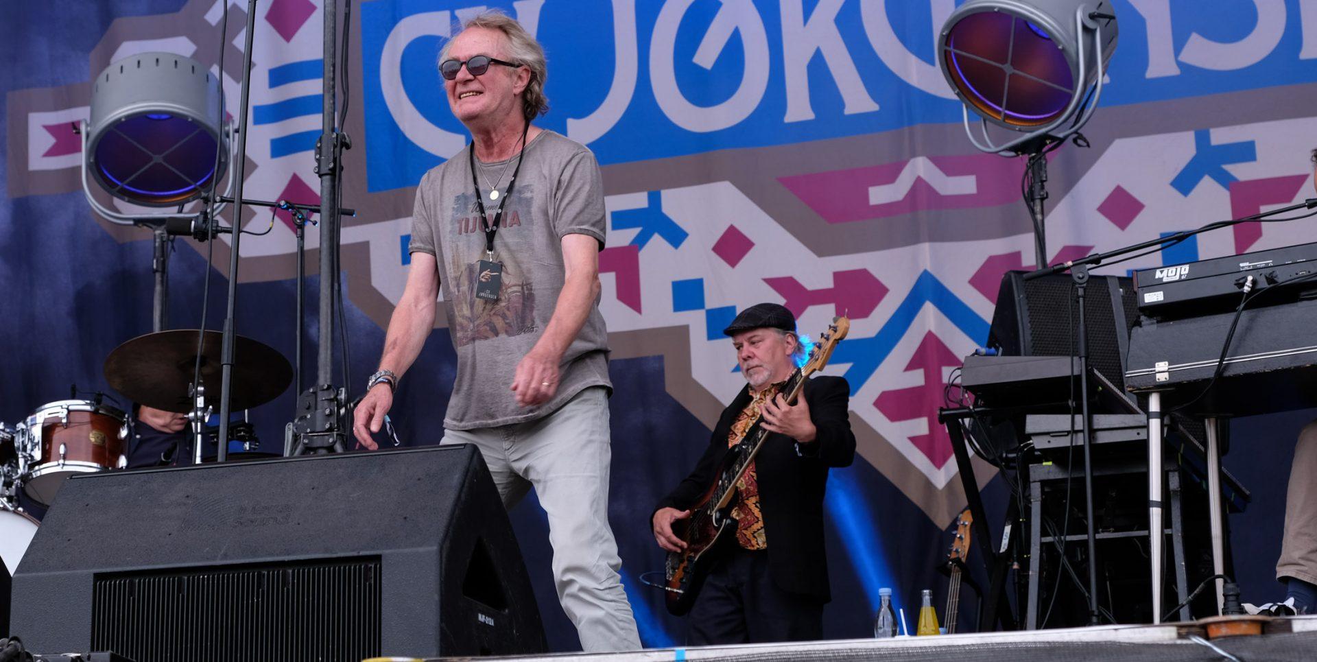 C.V. Jørgensen: Tilbagelænet og rutinepræget koncert