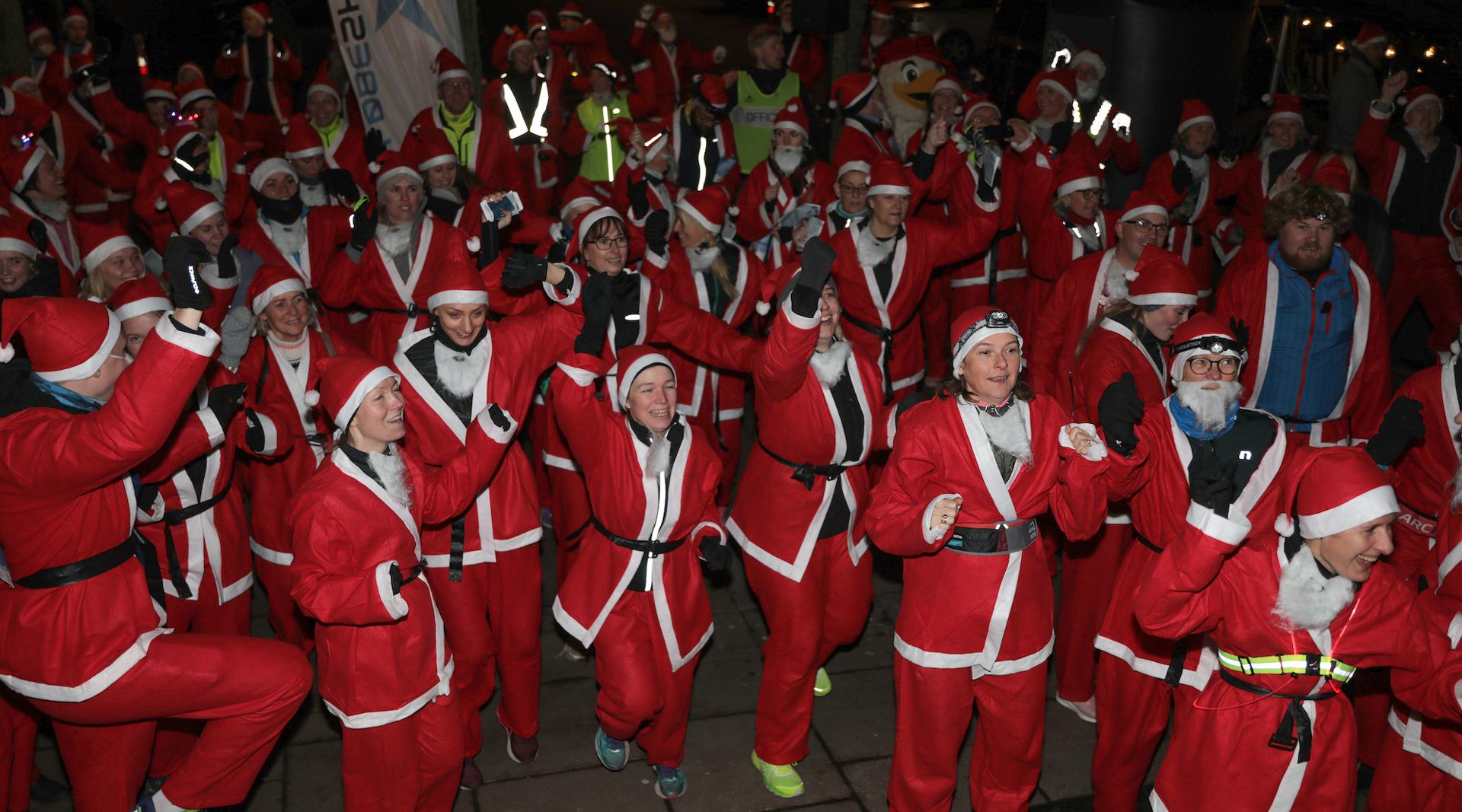 Christmas City Run: 1500 løbenisser spredte julestemning i Aarhus Midtby
