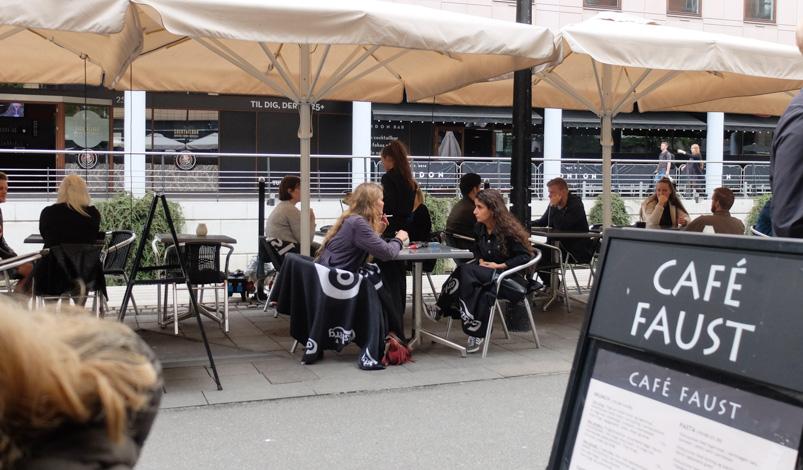 Café Faust har en stor udeservering