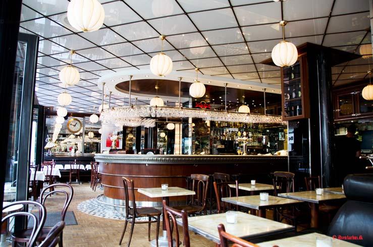 Højtbelagt smørrebrød på Café Svej - (Lukket og hedder i dag LAVA)
