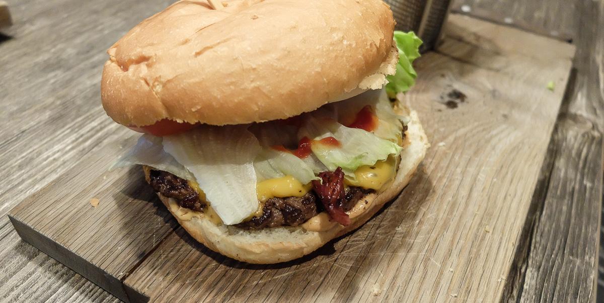 Burger Hut - en saftig og anstændig burger