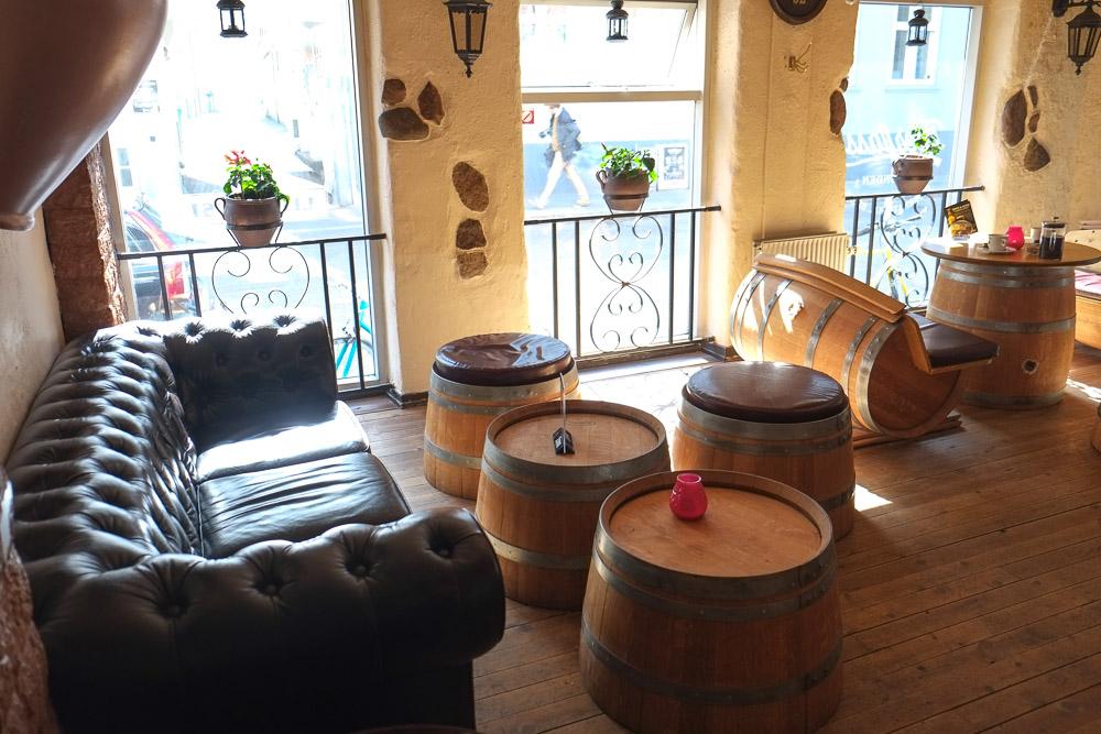 Chesterfield og øltønder på Bierfass