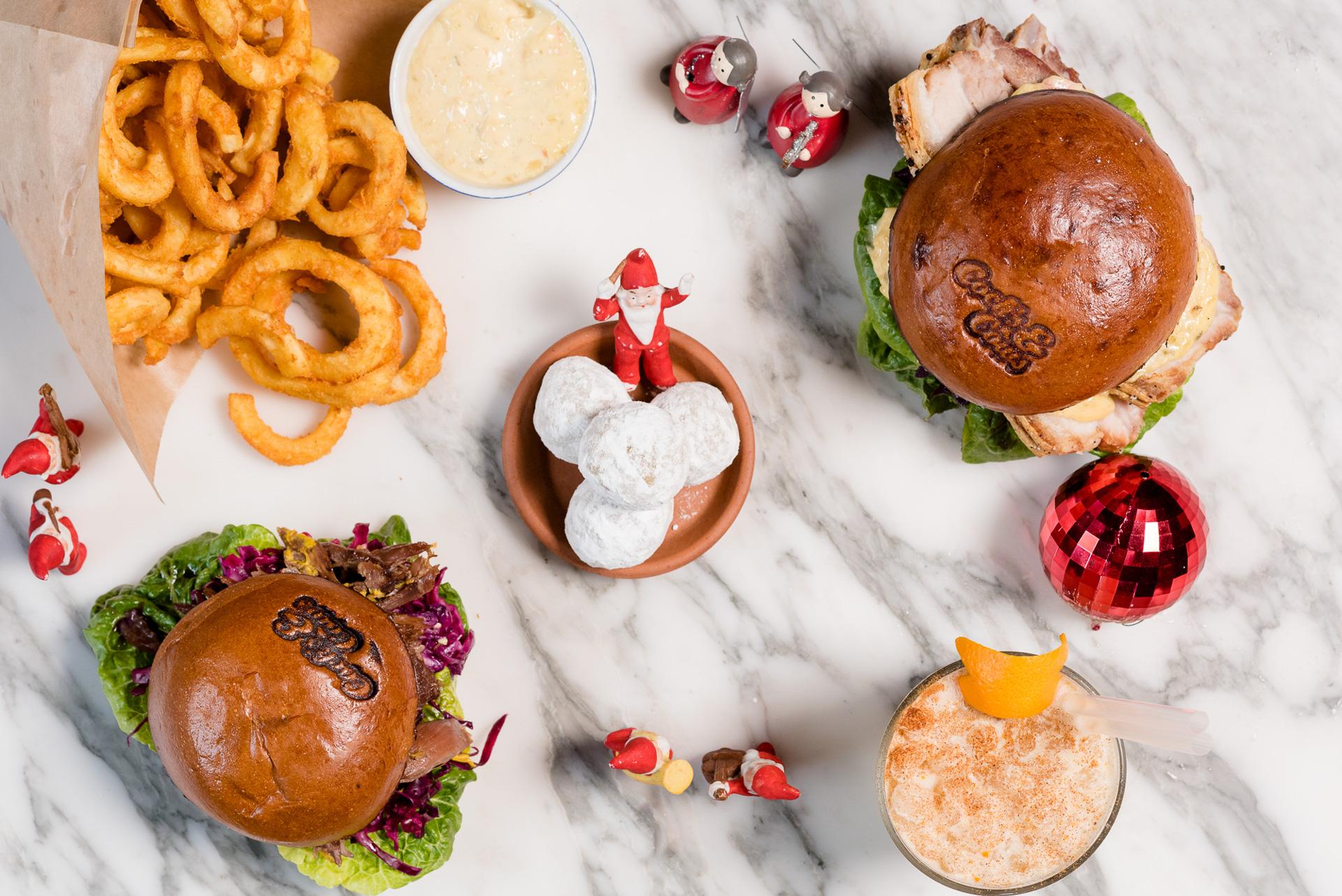 Find Den Gyldne Mandel hos Cock's & Cows: Utraditionel julefrokost og en rejse til Paris