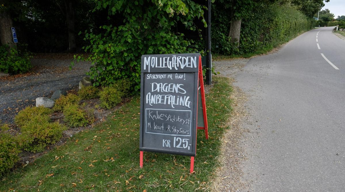 Klassisk dansk (høst)frokost på den gamle Møllegård