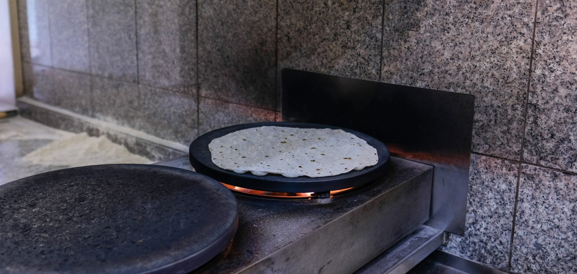 """Anmeldelse: Efter 25 år tager den """"gamle"""" Shawarma Bar kegler som aldrig før"""