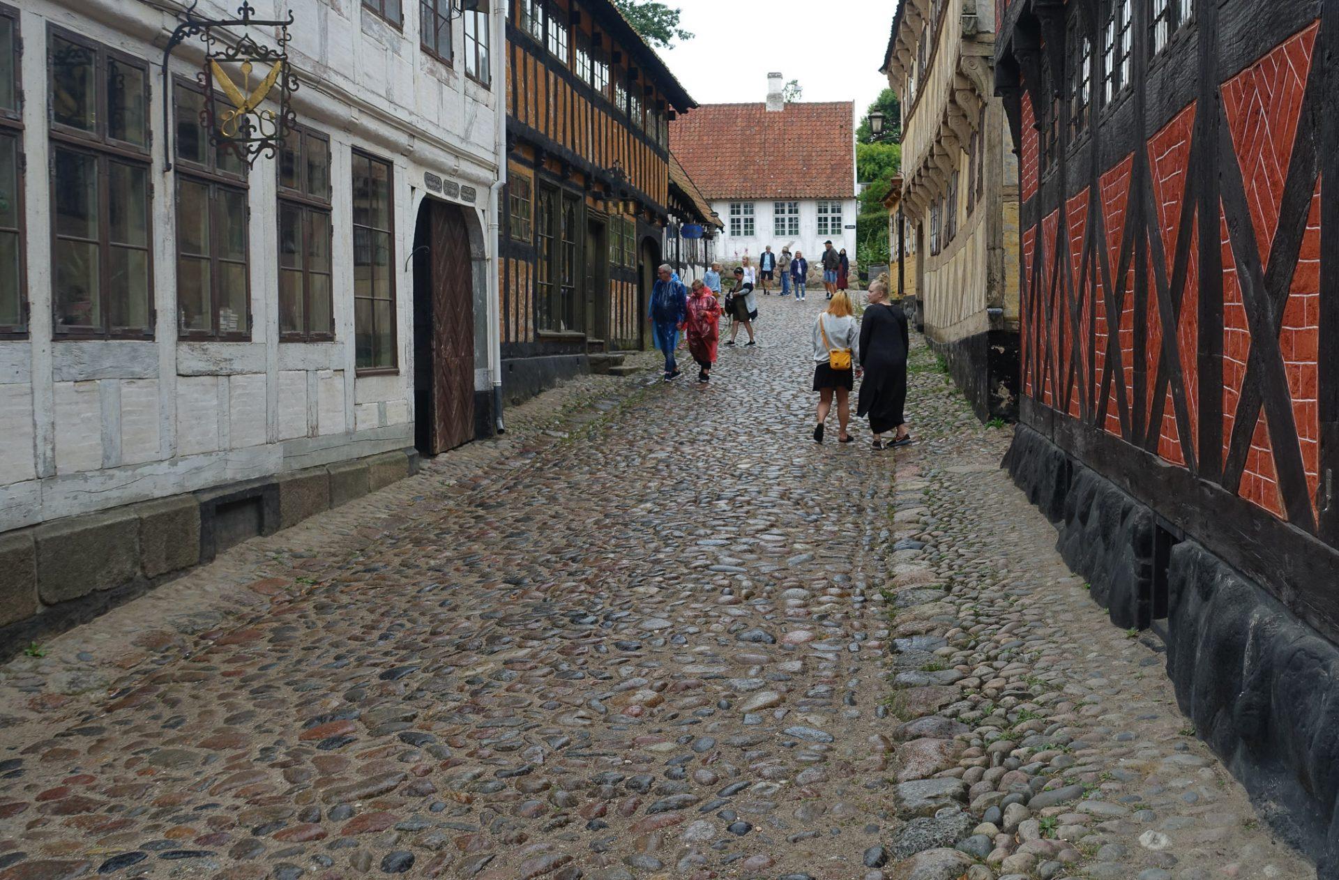 Reportage: Sommerferieidyl i Den Gamle By i Aarhus