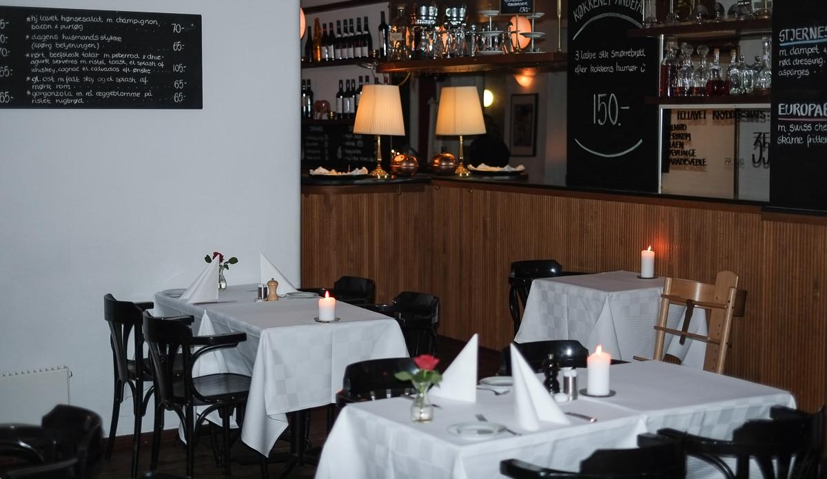 Der er også hvide duge på Restaurant Europa i Aarhus