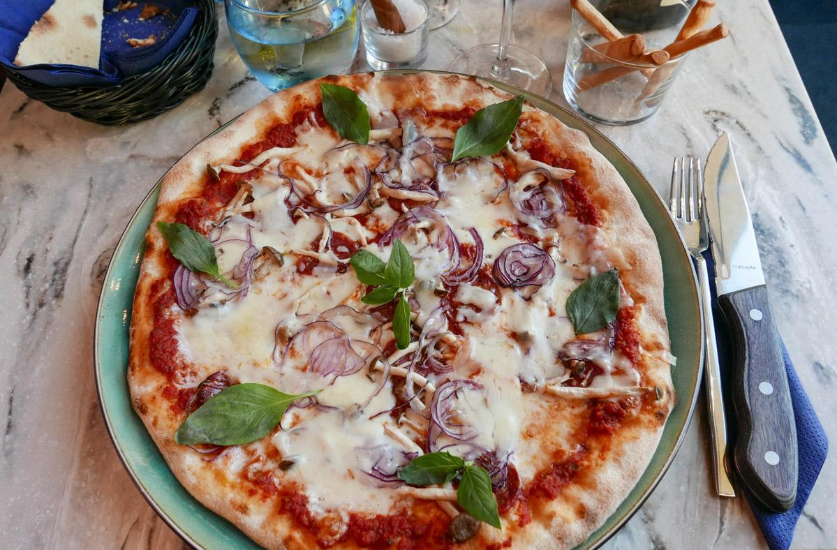Luciano Pavarotti hed pizzaen til 120 kroner.