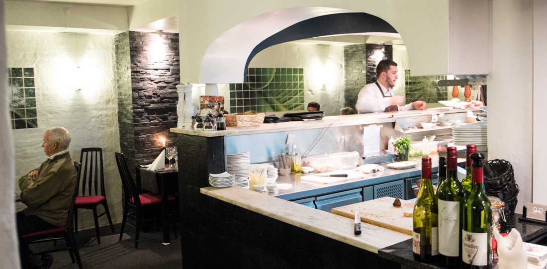 Det åbne køkken hos Restaurant Lajmi i Jægergårdsgade