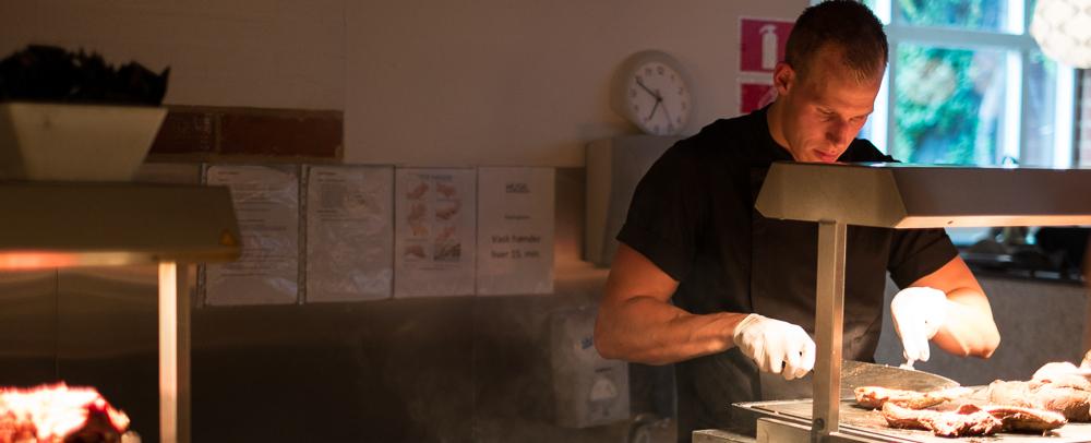Effektiv med en kniv - Restaurant Flammen i Aarhus
