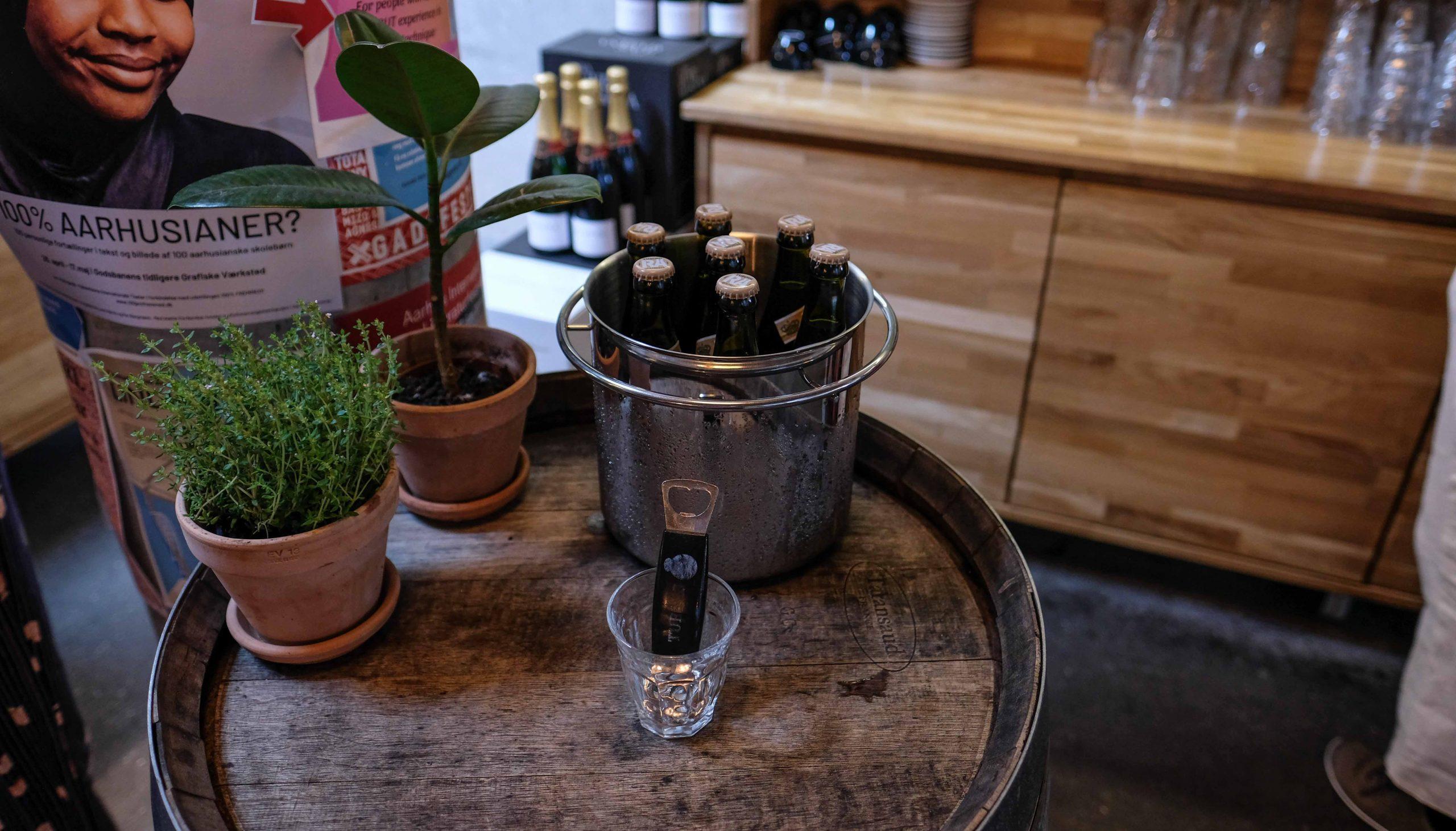 En ægte hverdagsrestaurant: Spiselauget samler familien Aarhus i noget så ukompliceret som et tag selv-bord