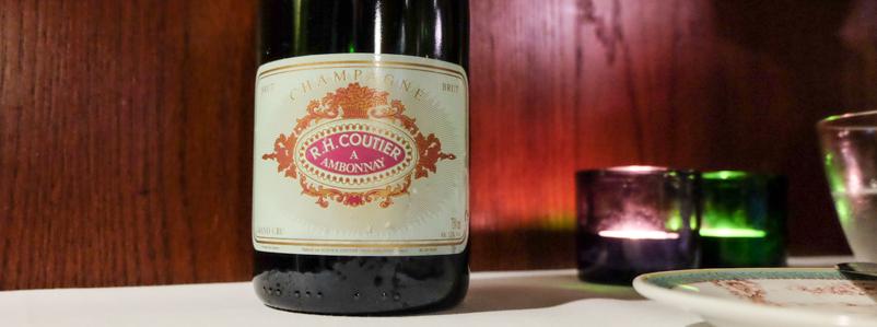 En anstændig Champagne på Dauphine