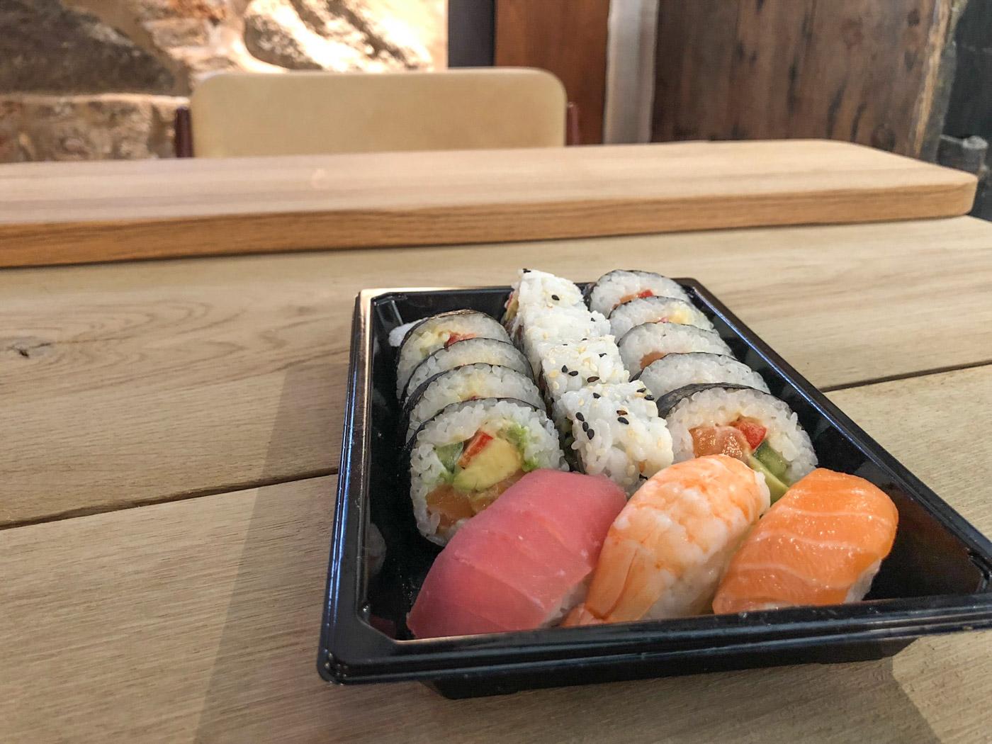 Madanmeldelse: Pivfrisk sushi fra Thai & Sushi på Vesterbro Torv