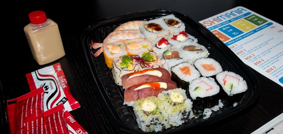 En bakke sushi fra SushiMania i Bruuns Galleri