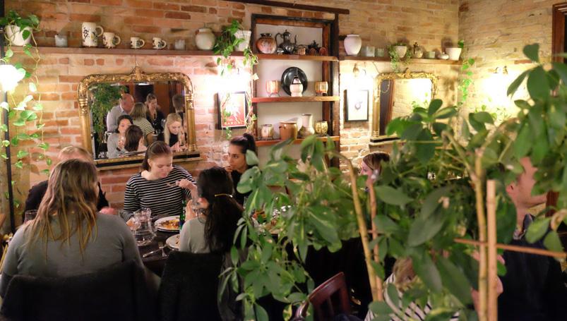 En fuld restaurant på Le Pagnol