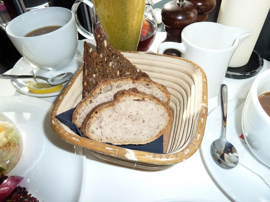 En lille smule brød på Café Viggo