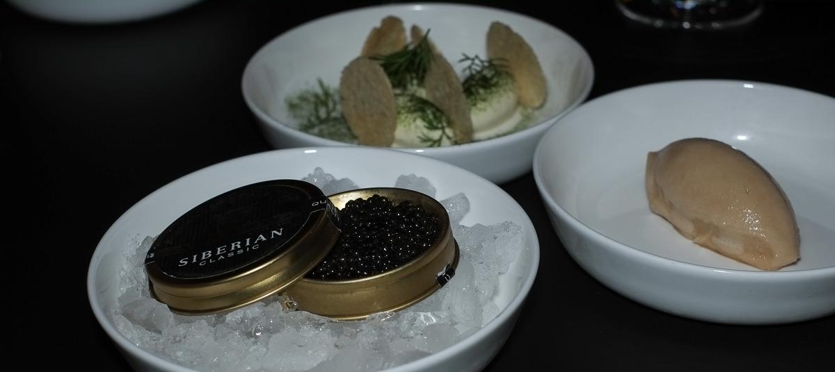 En smuk kaviarservering på Nordisk Spisehus