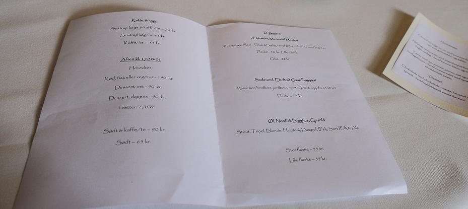 Enkel menukort på Restaurant Sostrup Slot