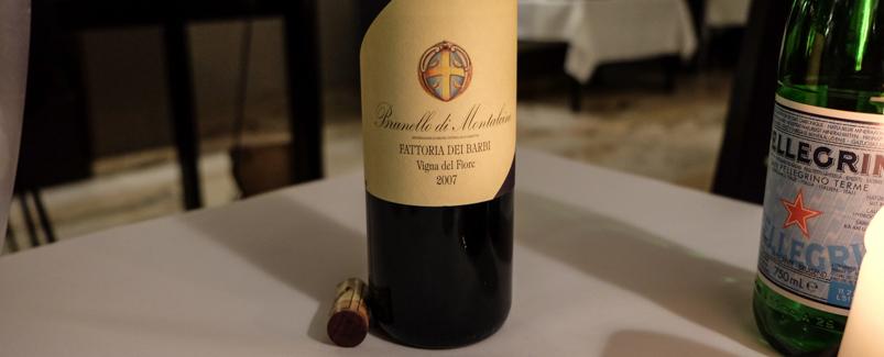 Et anstændigt glas vin på Restaurant Gäst