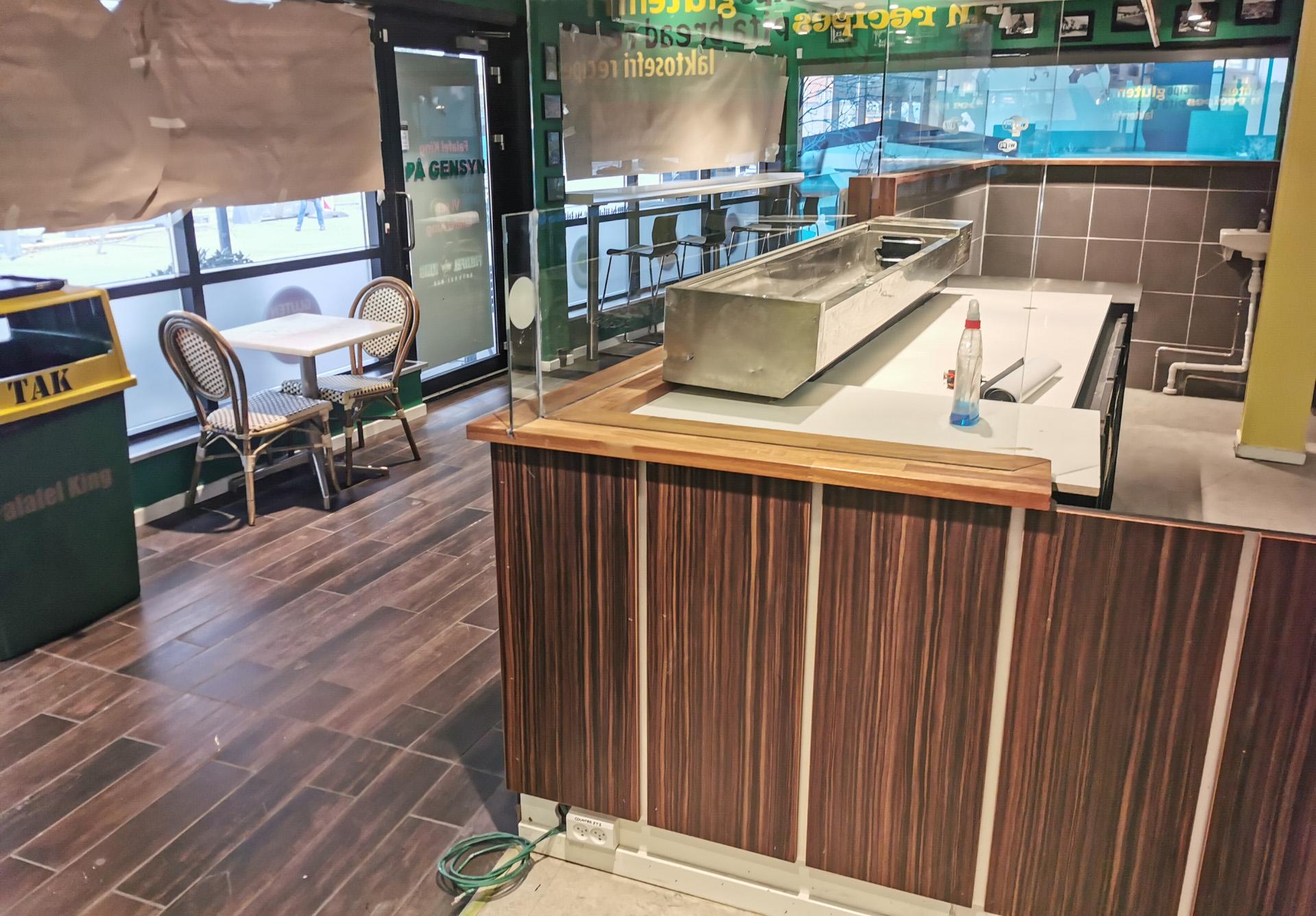 Rutebilstationen: Falafel Kongen udvider og flytter i større lokaler