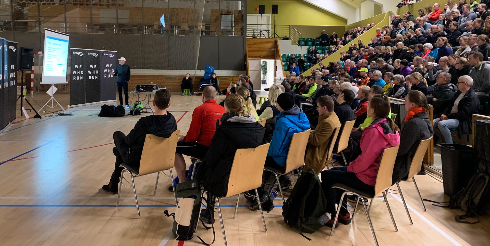 Aarhus Motion: Der var run på atletikbanen, da 1700 vinterløbere indtog Ceres Park