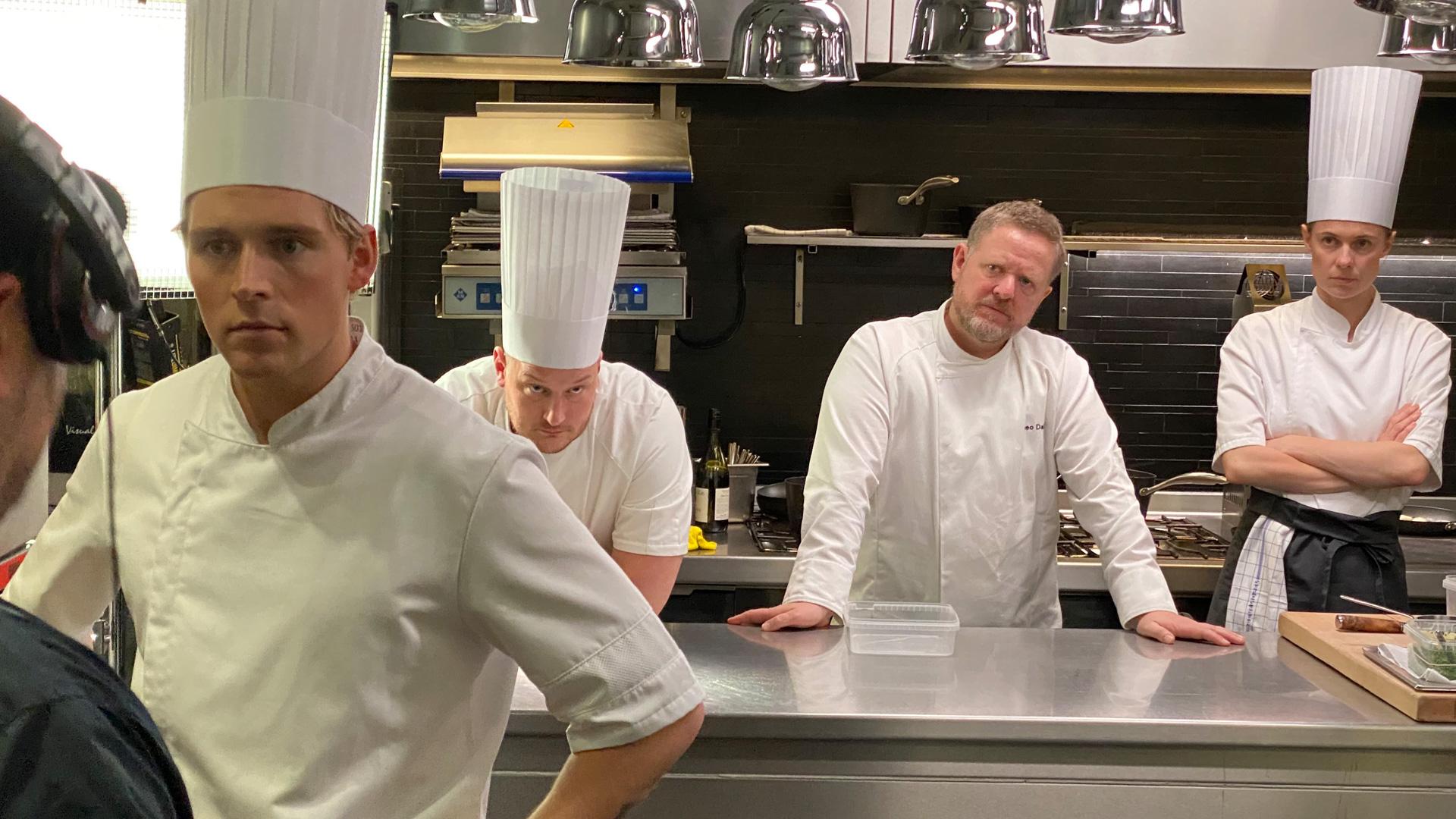 Stjernespækket drama: Mehdi Avaz filmer på Michelin-restauranten Frederikshøj