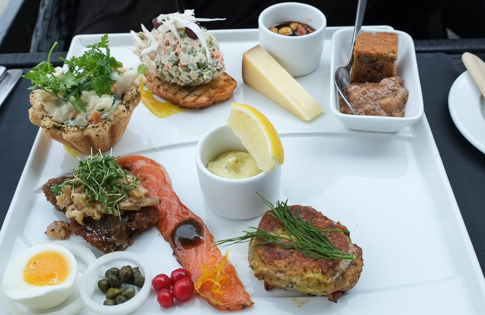 Frokostanretning med det hele på Brasserie Vankoch