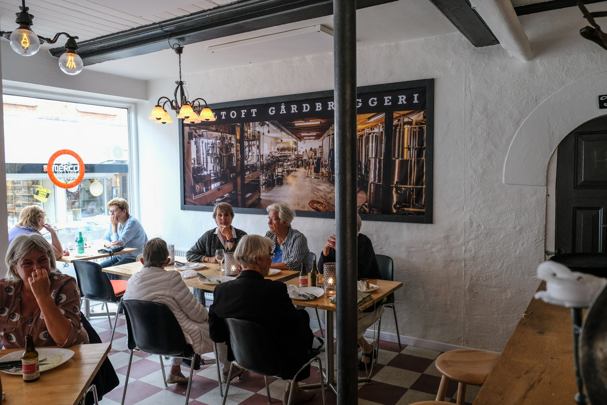 Fuld hus hos Gårdbryggeriet i Grenå - Aarhus Update