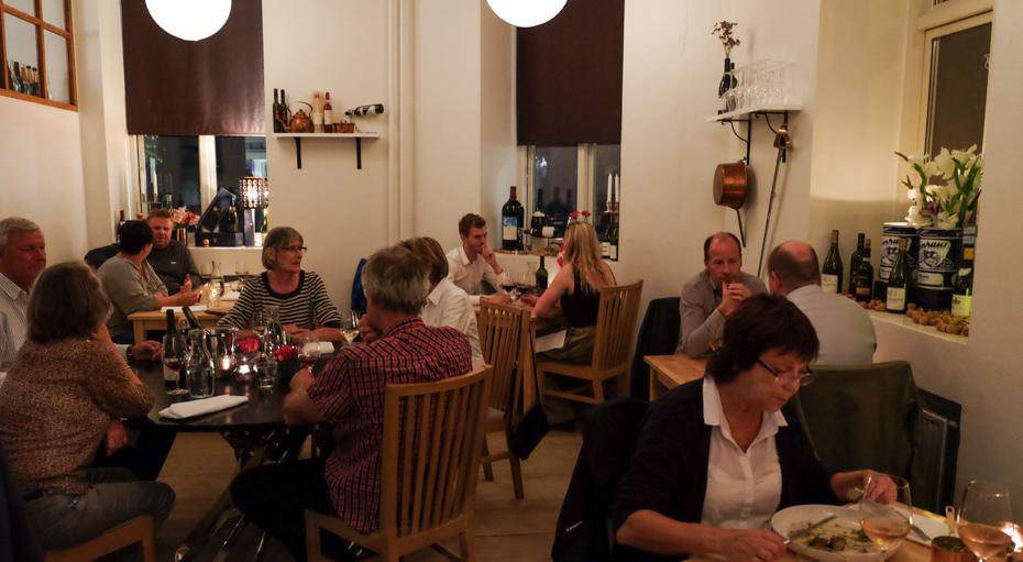 Fuldt hus på Slinger Bistro i Aarhus_