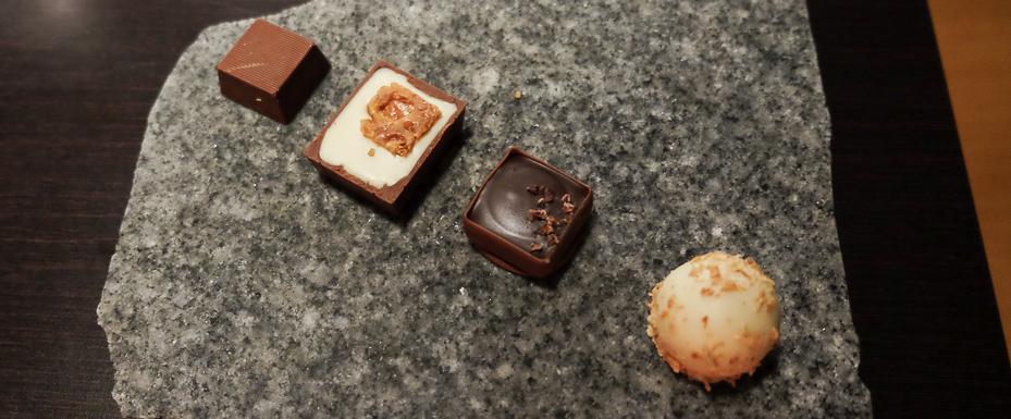 Fyldte chokolader hos Sans med Früd