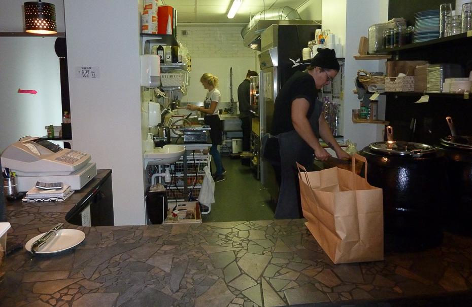Gang i køkkenet på Mikuna