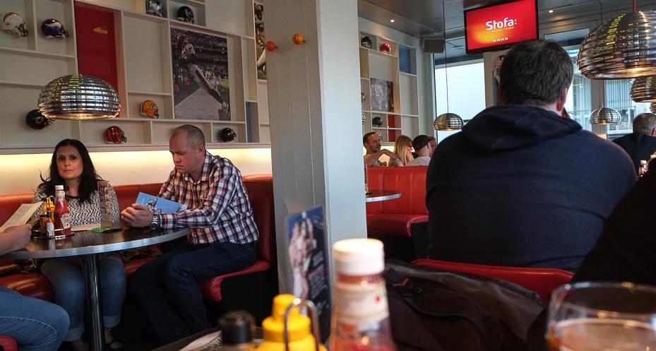 Godt fyldt med gæster på Sharks Diner i Aarhus