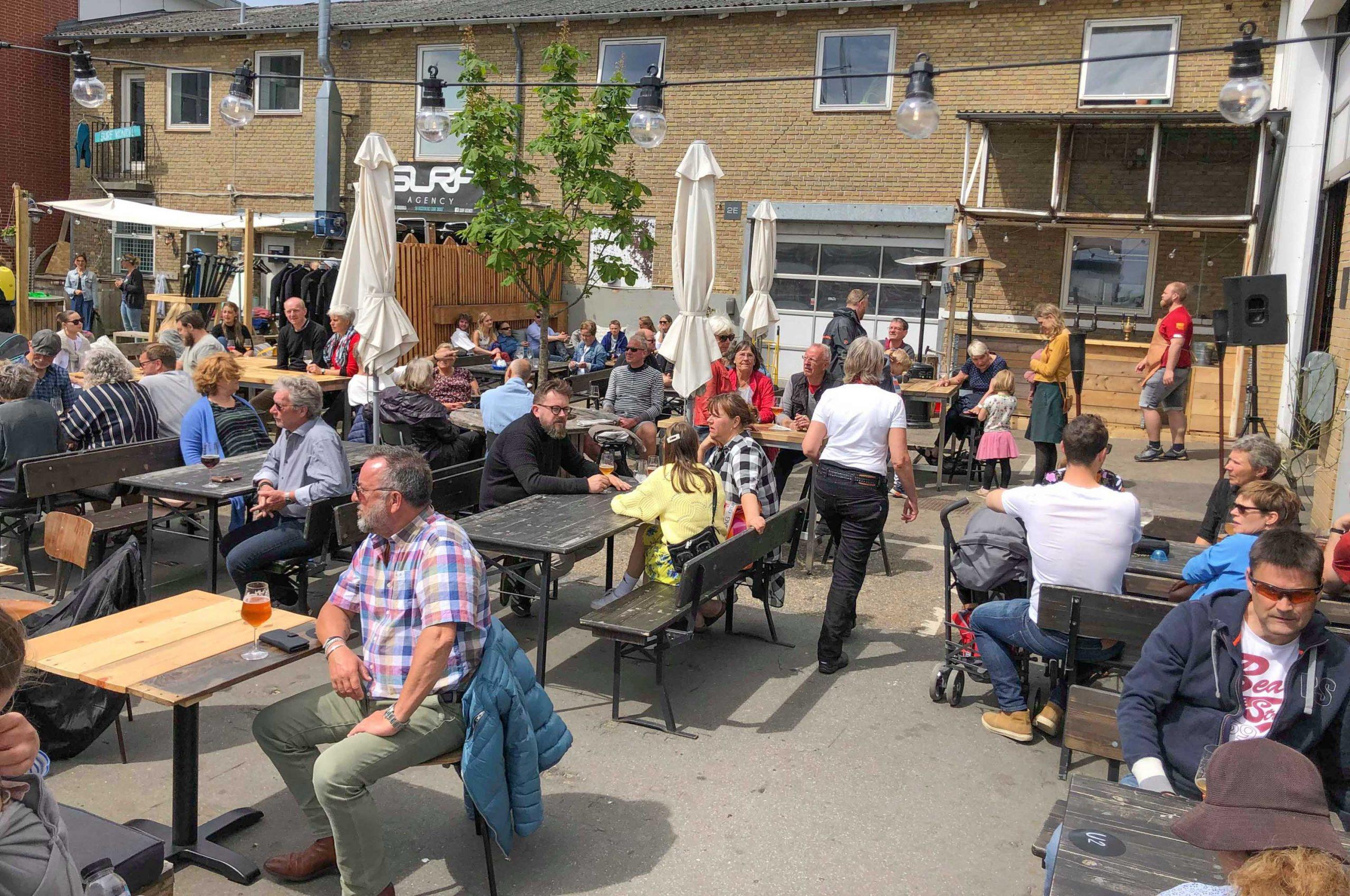 Fylder 3 år: Hantwerk holder et brag af en fødselsdagsfest med gratis øl, kage og masser af musik