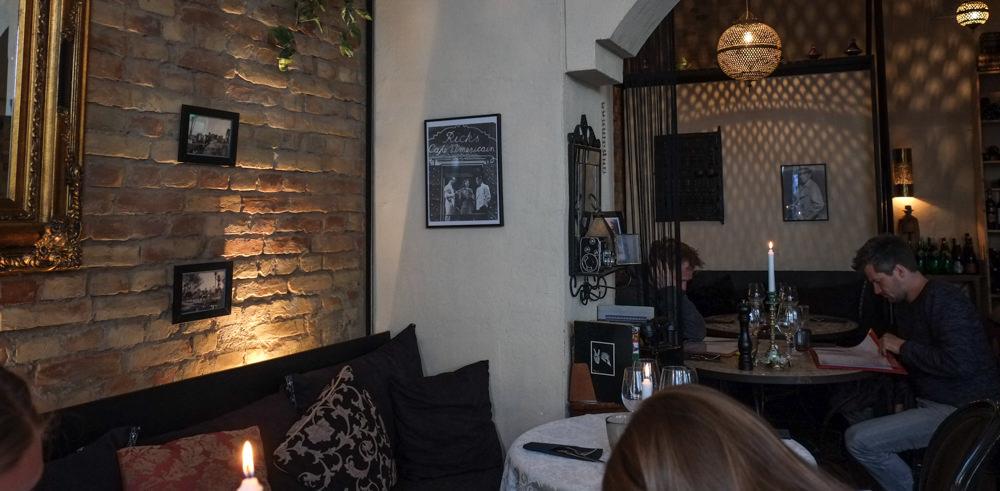 Hyggelig indrening på Restaurant Ricks i Aarhus