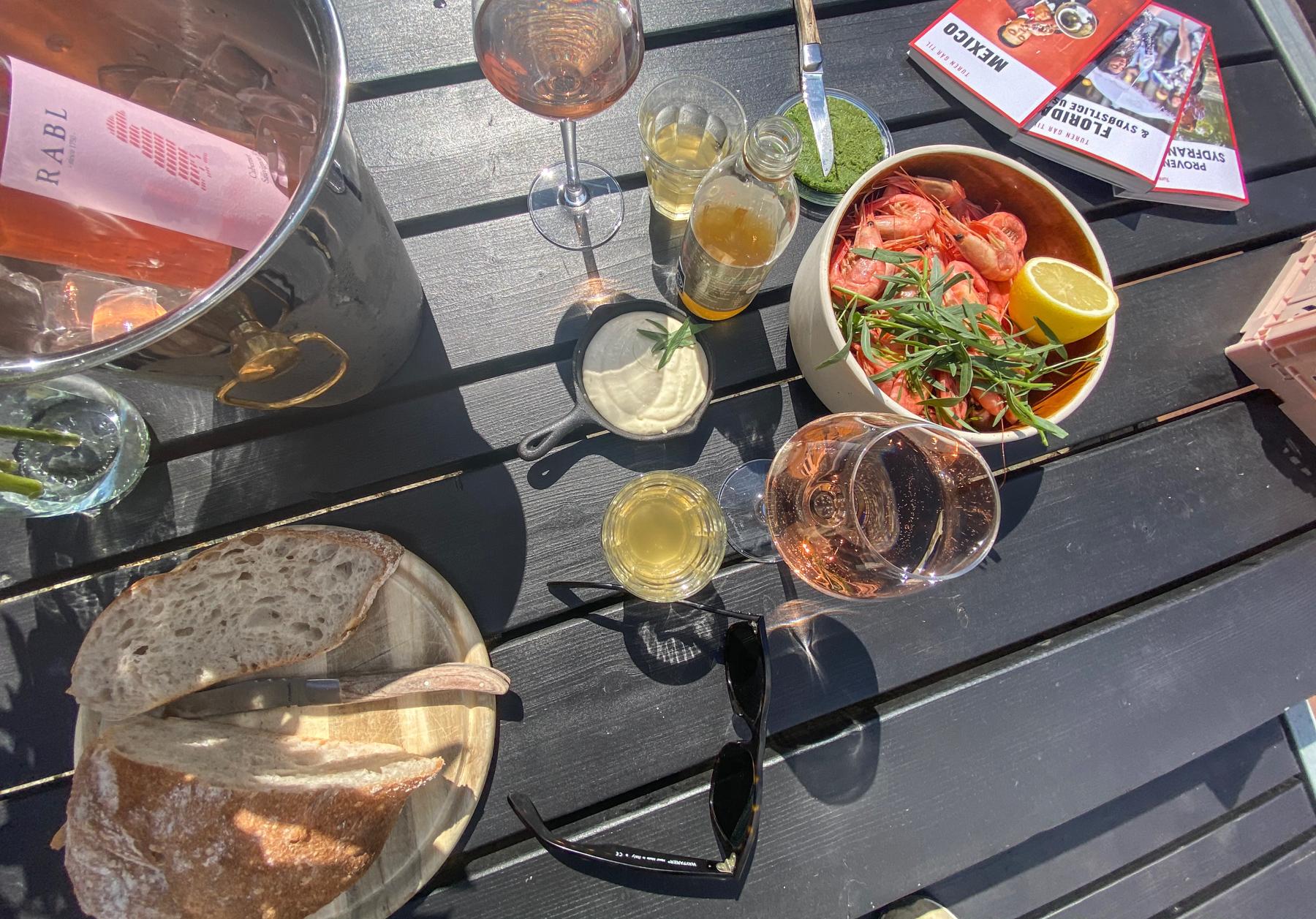Spiselauget laver sommerferietilbud: Rejegilde, taco-tirsdage, moules-onsdage, ribs & slaw eller paella & sangria