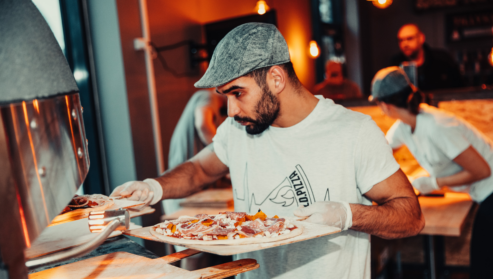 Frisk fra stenovn: Populær kæde runder 250.000 pizzaer