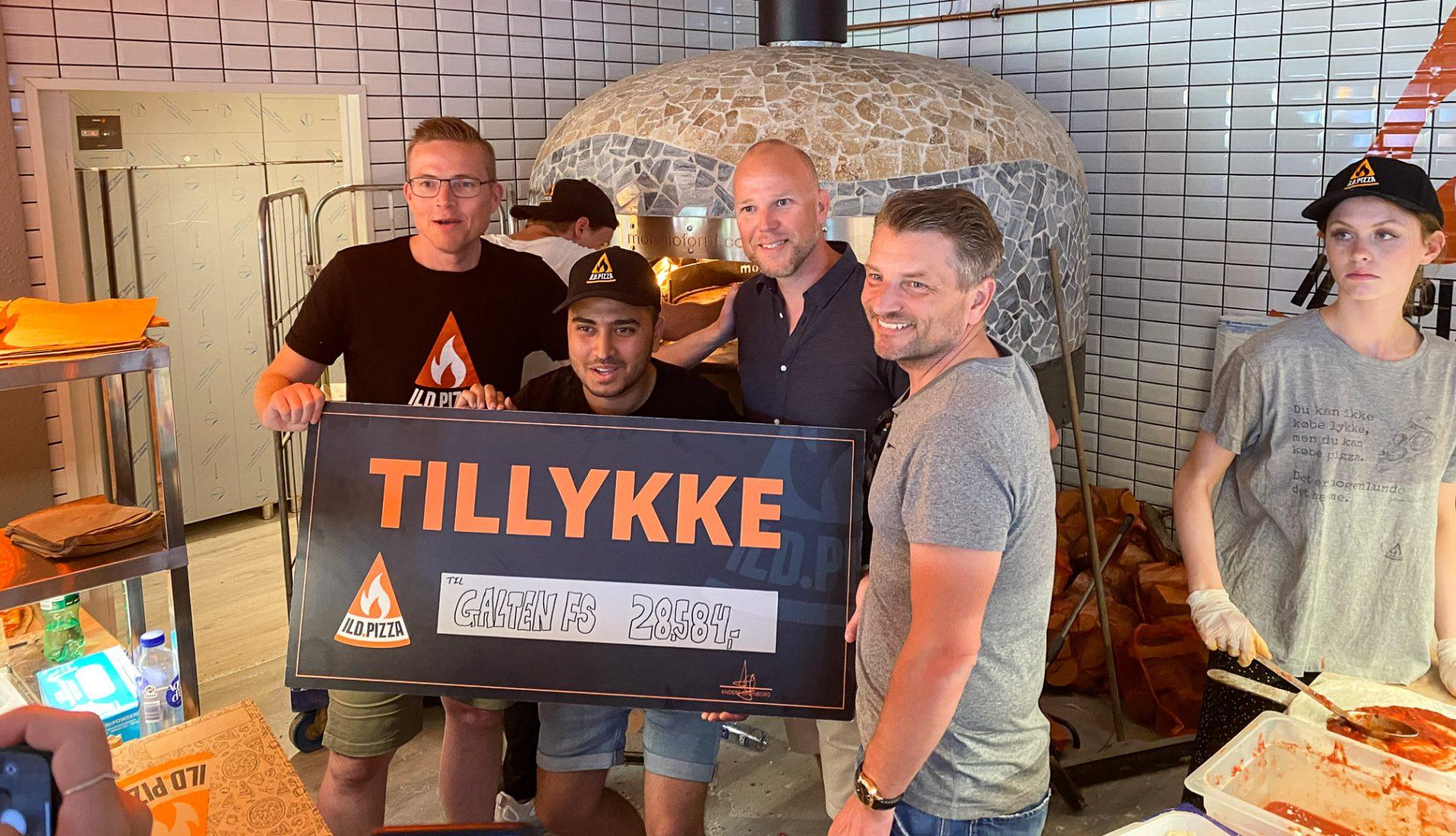 Små 30.000 kr. til den lokale sport: Ild.pizza er ankommet til Galten med bravour