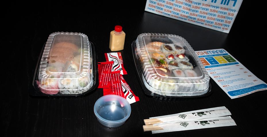 Indpakning af sushi fra SushiMania i Bruuns Galleri
