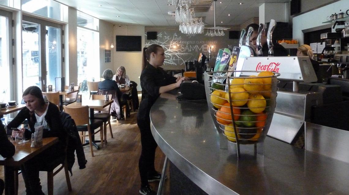 Indretning på Café Faust ved åen i Aarhus