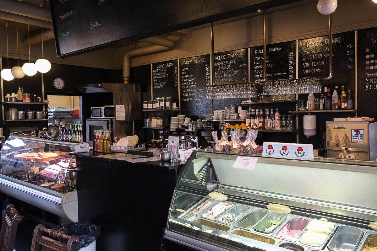 Isbar på Cafe Underground i Aarhus