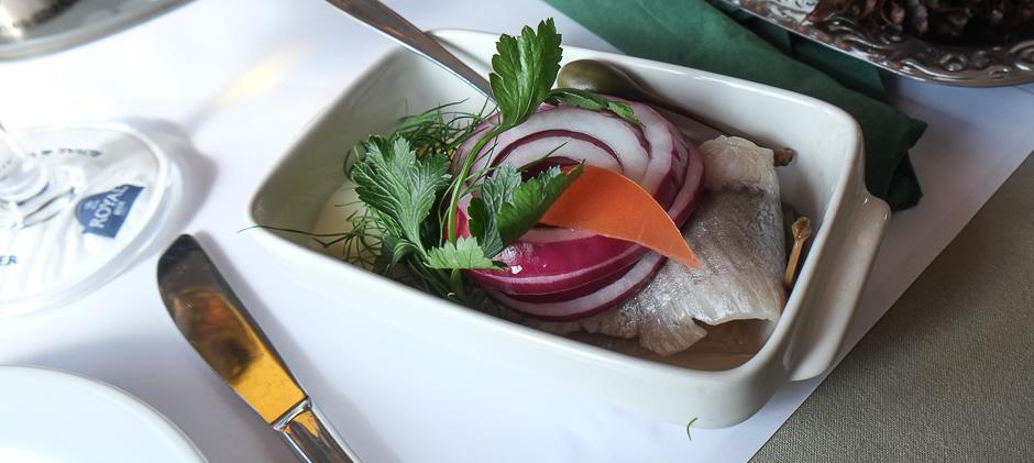 Islandske marinerede sild - Restaurant Kohalen på Aarhus Havn