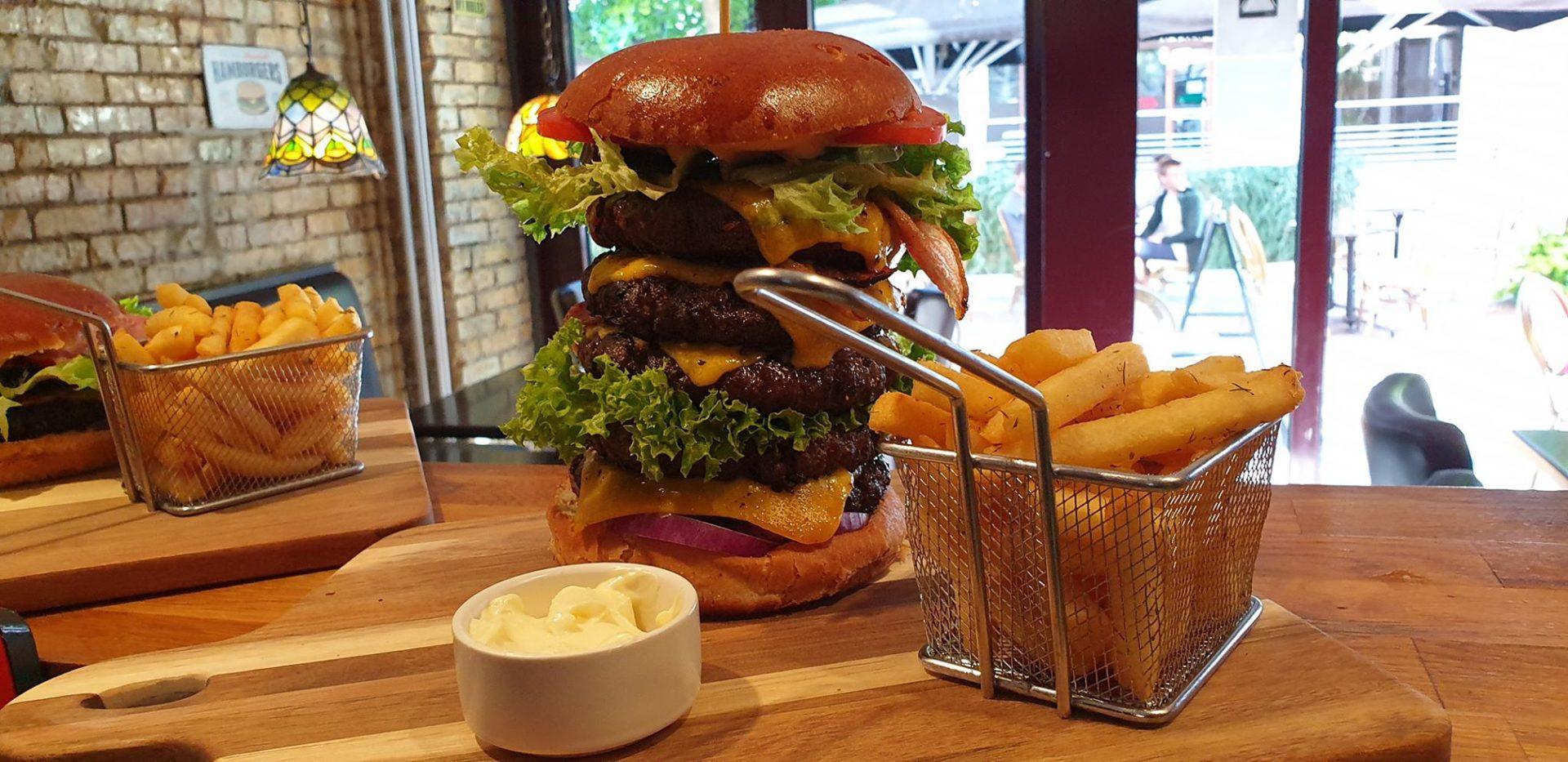 Ny burgerbar: Greasy burger med bøf på op til 1 kilo hos Joey's Burger