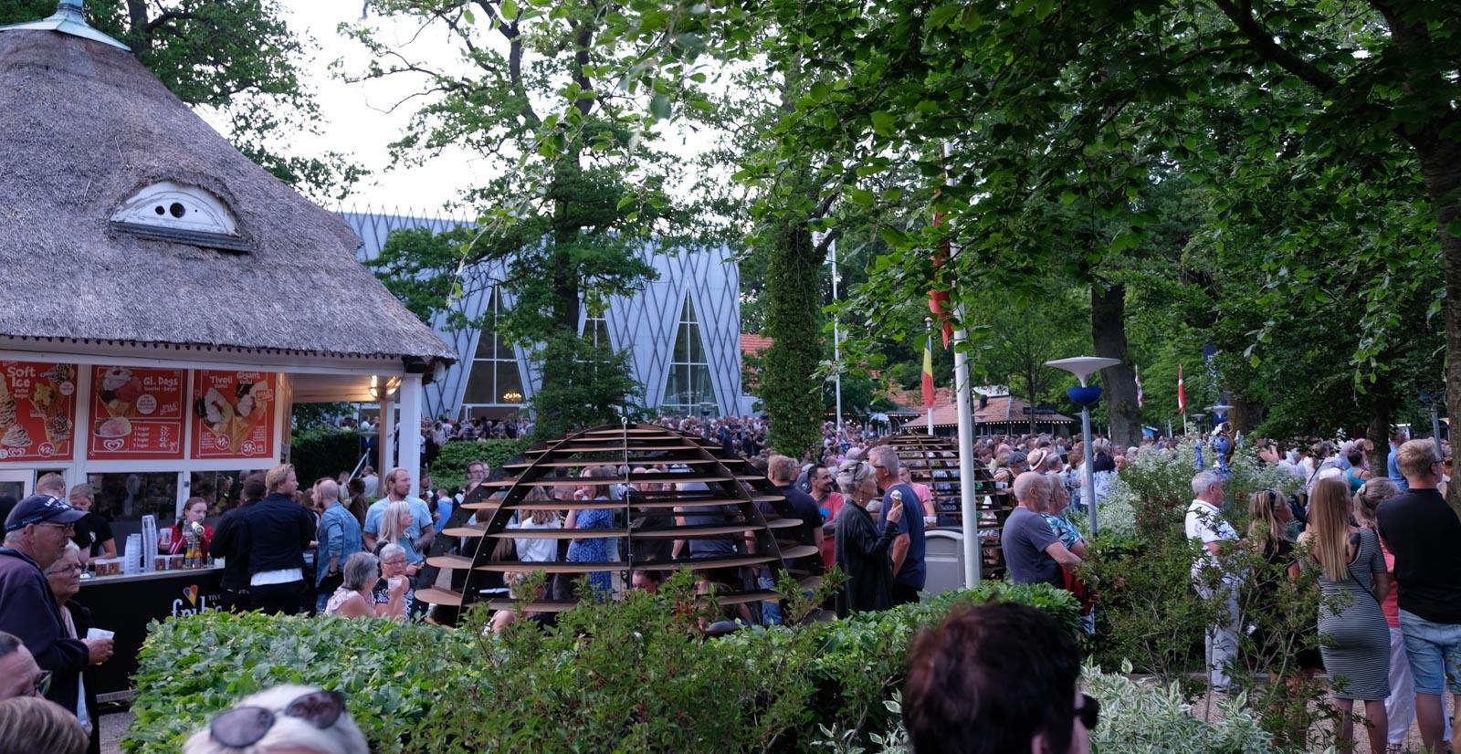 Johnny Madsen koncert: Ren rutine med rusten stemme